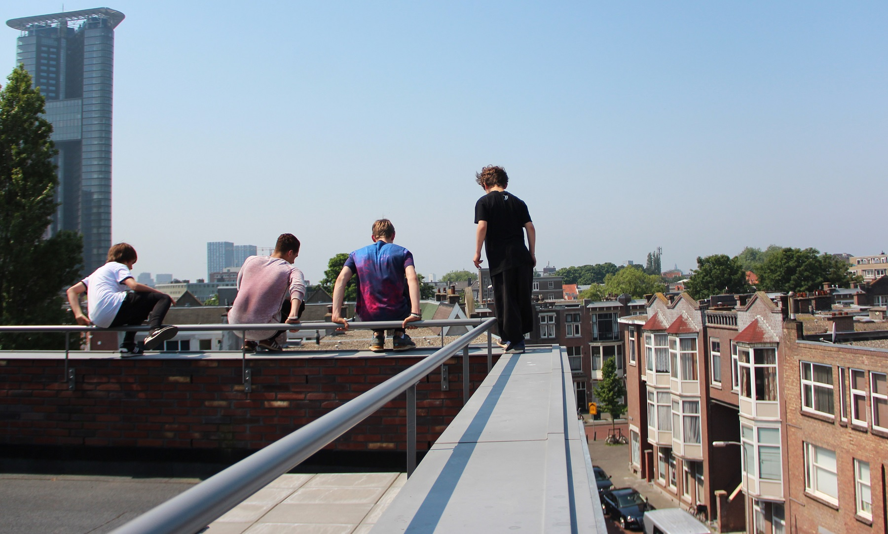 Freerunners op dak